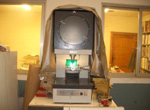 Proiettore di profili Mitutoyo PJ-300