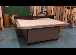 Gerber DCS1500 Automated cutting machine