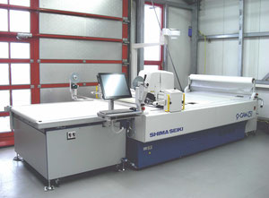 Automatický řezací stroj Shima Seiki P-CAM131