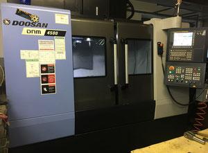 CNC Obrábacie centrum DOOSAN DNM 4500