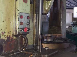 TOS FO 10 Vertical gear hobbing machine