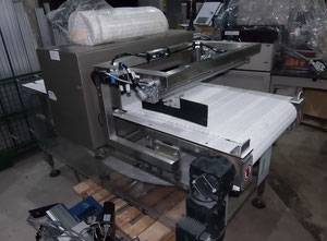 FORTRESS metal detector with conveyor