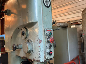 RF 40 Pillar drilling machine