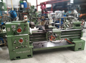 Tokarka CNC TOR D-500