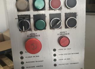 Vetraco Semi-automatic compacting machine for cosmetic powders P00617078
