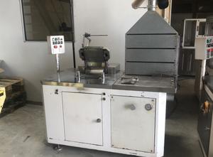 Vetraco Semi-automatic compacting machine for cosmetic powders Sonstige pharmazeutische / chemische Maschine