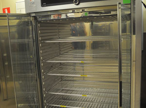 Memmert IN750 COOLED Sonstige pharmazeutische / chemische Maschine