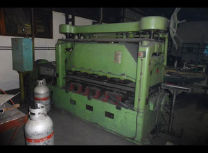 Elettroerosione a filo TOS XRM 160/3