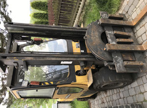 Caterpillar GP 30K Gas forklift
