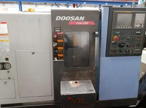Doosan Lynx 220B Drehmaschine CNC