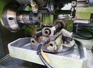 Koepfer 180 B SPS Zahnrad-Abwälzfräsmaschinen