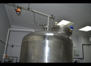 Recipiente de agua esterilizada