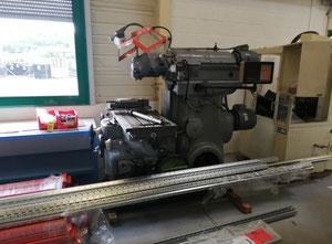 Huron KU4 universal milling machine