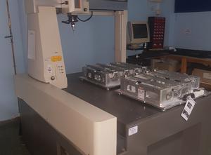 Robot Mitutoyo  EURO M7106