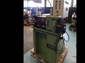 Rollwalztechnik   RWT 12 X Gewinderollmaschine
