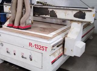 Luckberry Woodworking machinery CO. LTD CNC Router R-1325T P01027022
