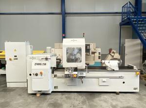 Unitech ( Heckert) ZFWVG 250x2000 S7 CNC Zahnrad-Abwälzfräsmaschine