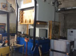 Used Radaelli 250ton metal press