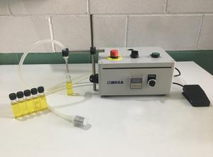 Riempitrice di fiale e flaconi OMEGA CNC SYSTEMS Llenadora semiautomática monodosis