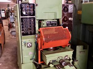 SYKES V 10B Zahnrad-Wälzstoßmaschine