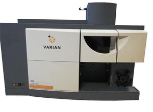 VARIAN 720 ES Laboratory equipment