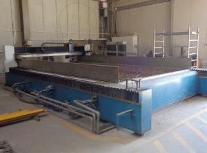 Vodní řezací stroj YC Industry YCWJ-3742-L3060