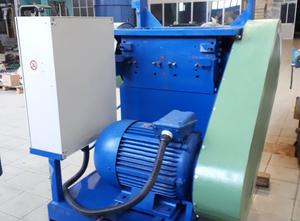 Macchina di riciclaggio di plastica FBM+GERMANPLAST 650 mm. 37 kw