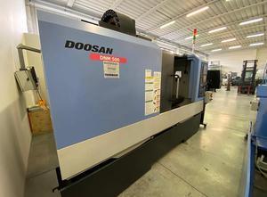 Doosan DNM500 Bearbeitungszentrum Vertikal