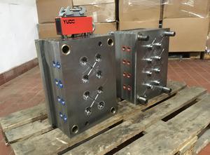 GammaServis Adhesive tape reel mold Spritzgießmaschine