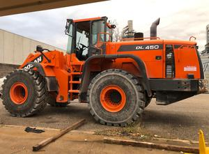Used Doosan DL450 Excavator / Bulldozer / Loaders
