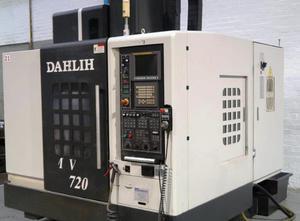 Obráběcí centrum - vertikální Dahlih MCV 720