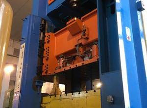 Colombo Agostino 250 ton Presse