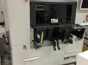 Universal Advantis AC72 Bestückungsautomat