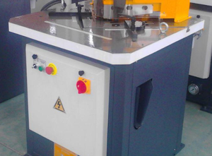Accurl AF 206 Notching machine