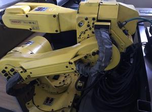 Fanuc m6i Industrial Robot