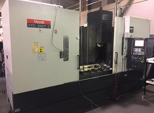 Mazak VTC-200-C-II Bearbeitungszentrum Vertikal