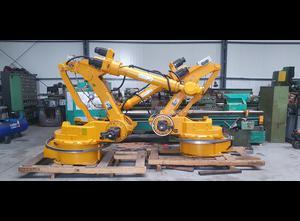 Robot industrial YASKAWA MOTOMOAN UP130R