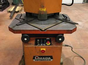Děrovací stroj Amada VERSA 206