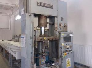 Dieffenbacher 40t metal press