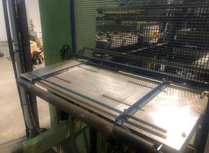 Tvarování termoplastů - Tvarující, plnící a  uzavírací linka Kiefel KL1 SH / 50