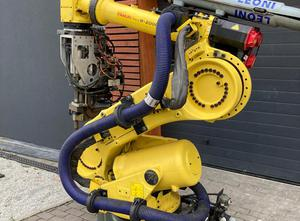 Fanuc R2000IB Industrial Robot