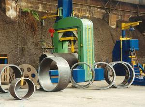Quiri 700 ton metal press