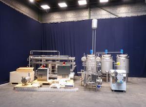 Mlékárenský stroj - výroba sýru, porcování a balení APV T14