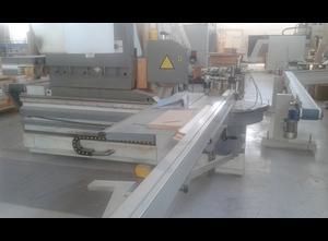 Centro di lavoro per la produzione di finestre in legno