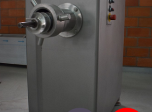 Et kıyma makinesi Lakidis ML130