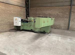 Bochumer Eisenhutte 300T metal press