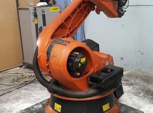 Robot industriale Kuka KR210