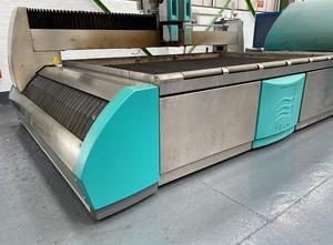 Maquina de corte con agua alta presion Flow WMC 3020