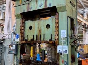 Presse excentrique FARINA  PRESSE 400 ton