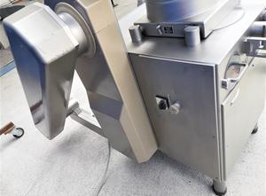 Stroj na plnění tub Handtmann VF300